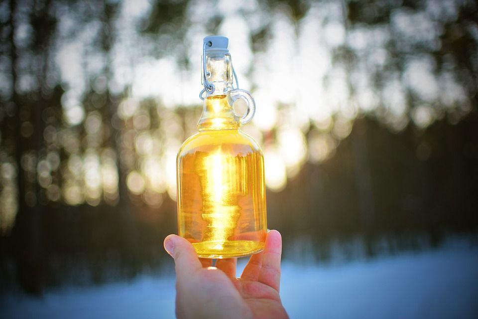 propolisová tinktúra vo fľaši
