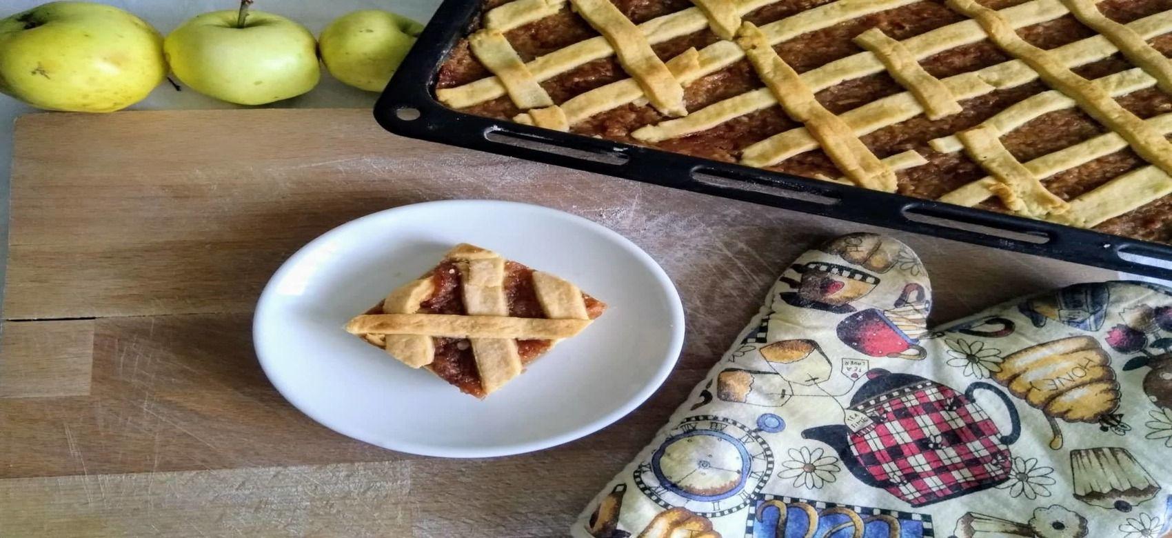 Jablkový mriežkový koláč