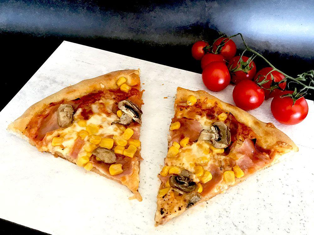 kvásková pizza s kukuricou