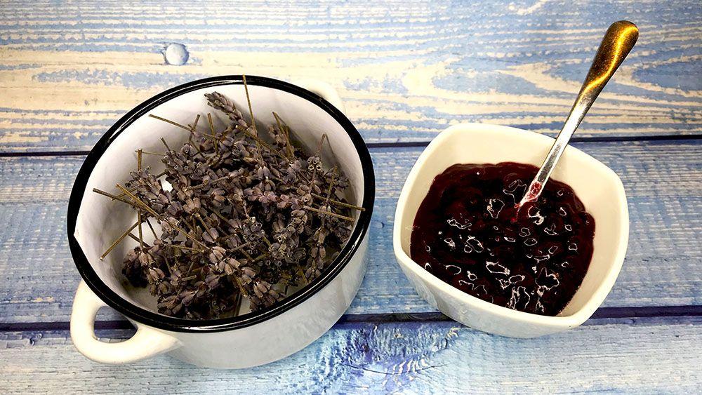 brusnicový džem s levanduľou