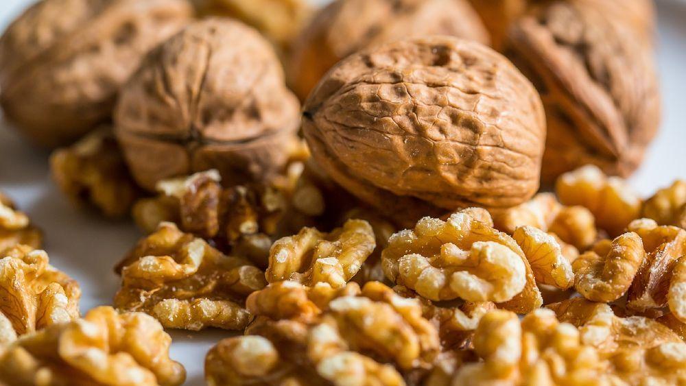 vlašské orechy jadrá a škrupiny
